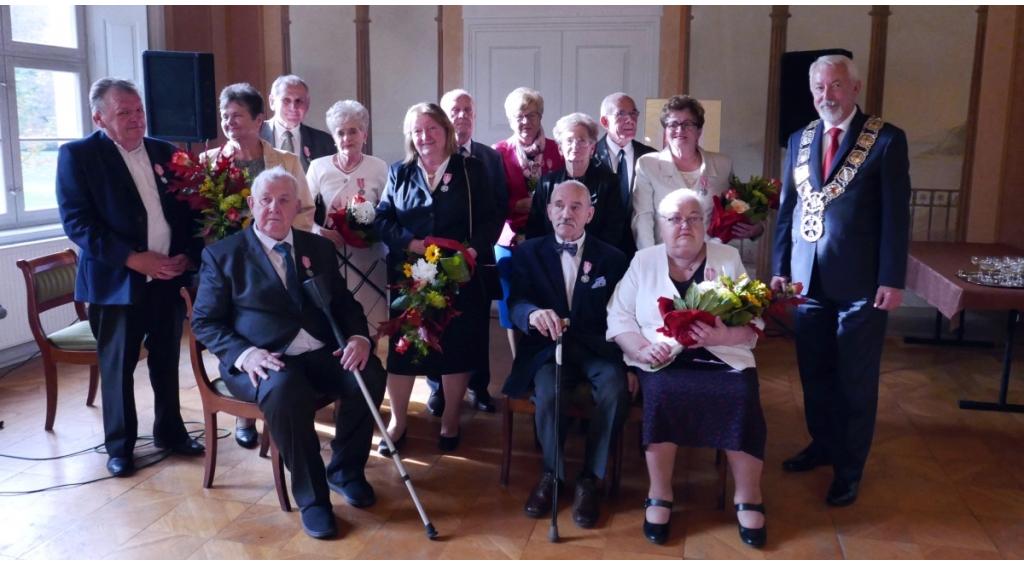 Medale Róży dla małżonków-jubilatów