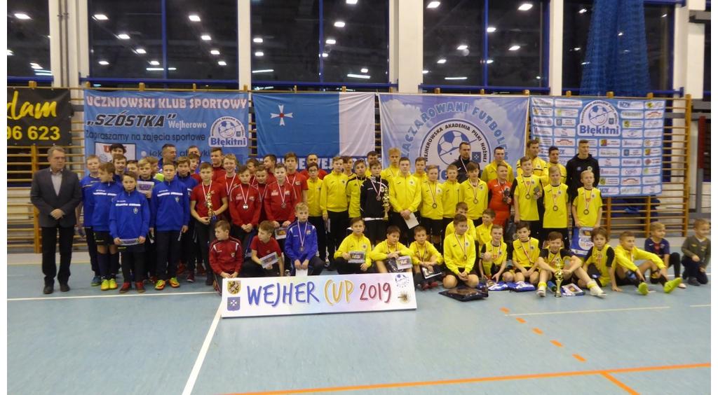 Gryf Wejherowo-czarni z Pucharem Prezydenta Wejherowa