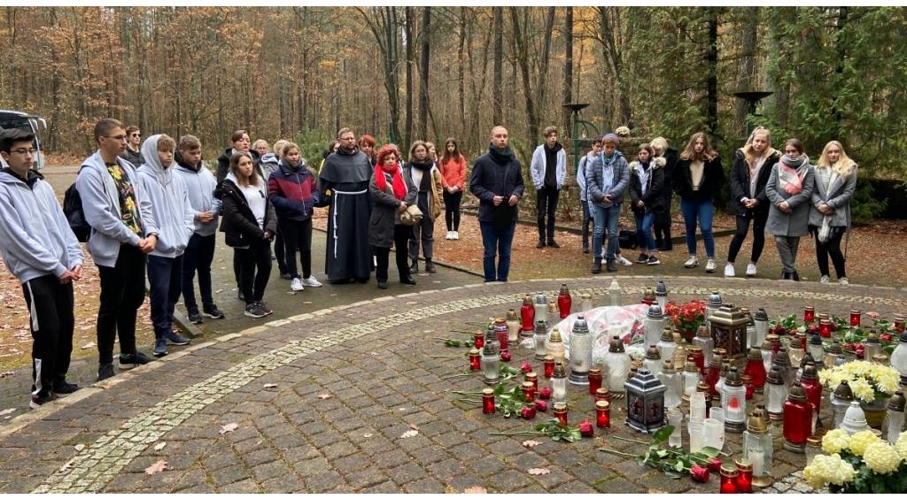 Młodzi Polacy i Niemcy wspólnie poznają trudną historię