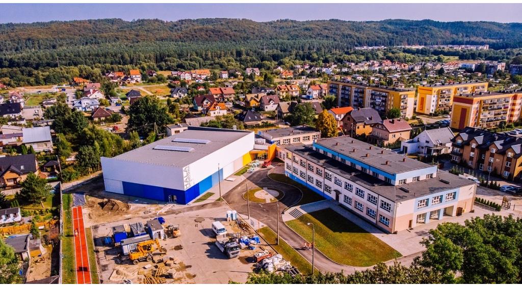 Budowa hali sportowej wkracza w decydujący etap
