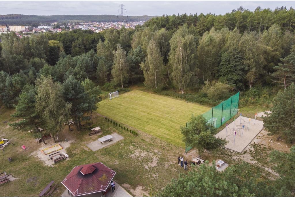 Nowe boisko i park linowy na os. Fenikowskiego