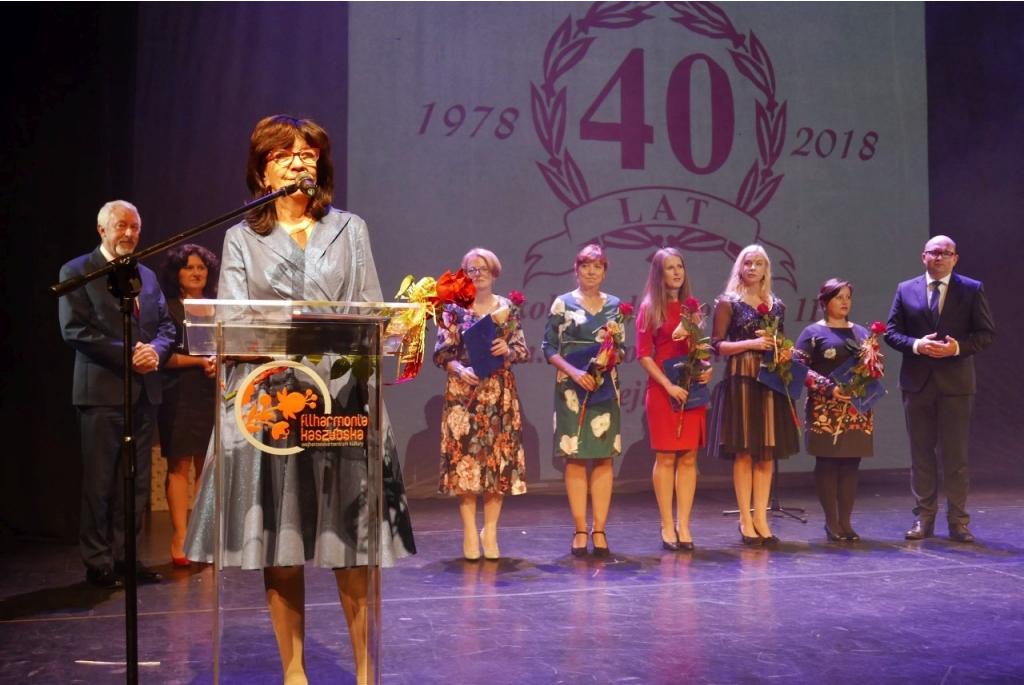 40-lecie SP nr 11 w Filharmonii Kaszubskiej