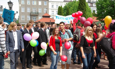 Parada Młodzieży ZSP nr 4 im. Jakuba Wejhera z okazji święta miasta - 27.05.2011