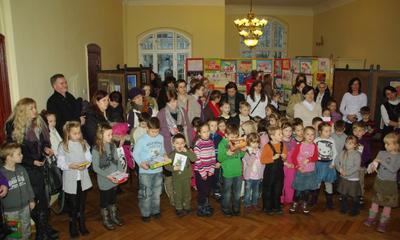 Wystawa plastyczna - W krainie św.  Mikołaja - 18.01.2012