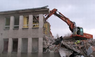 Runęły mury starego WCK - 12.03.2010