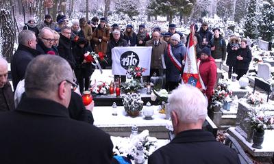 Upamiętnienie ofiar grudnia 1970 na wejherowskim cmentarzu