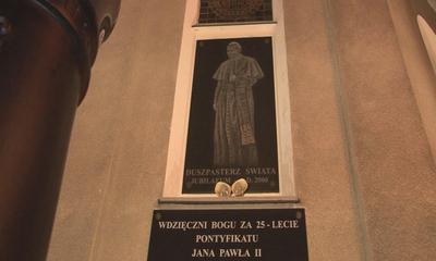 Wejherowianie uczcili 5. rocznicę śmierci Papieża Jana Pawła II -  02.04.2010
