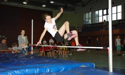 Halowe Mistrzostwa Powiatu Wejherowskiego  Szkół Podstawowych w  Lekkoatletyce-2011-12-15