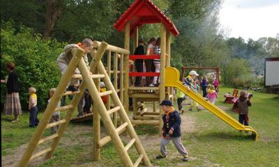 Plaz zabaw w ogrodzie działkowym przy ul. Nadrzecznej - 13.09.2010