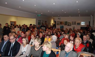 Spotkanie z ks. Janem Kaczkowskim w bibliotece - 28.11.2013