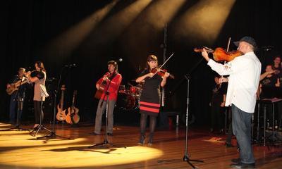 Koncert z okazji 10-lecia zespołu FUCUS w Filharmonii Kaszusbkiej - 24.10.2013