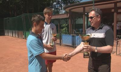Wyniki OTK Młodzików od lat 14-tu w tenisa.