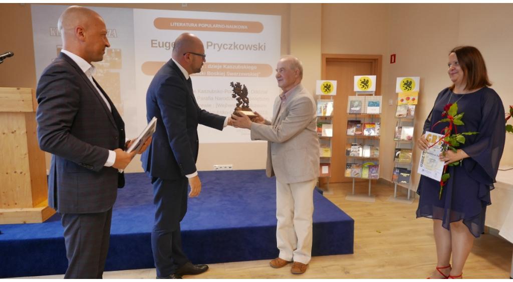 Sławina Kosmulska i Stanisław Janke laureatami  Gryfa Literackiego