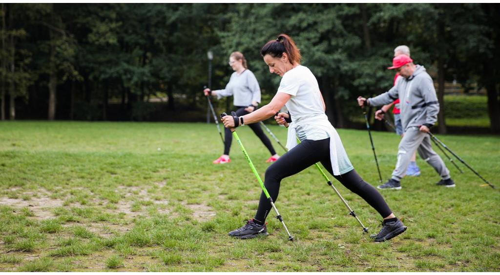 Nowatorskie zajęcia Nordic Walking w Parku Miejskim
