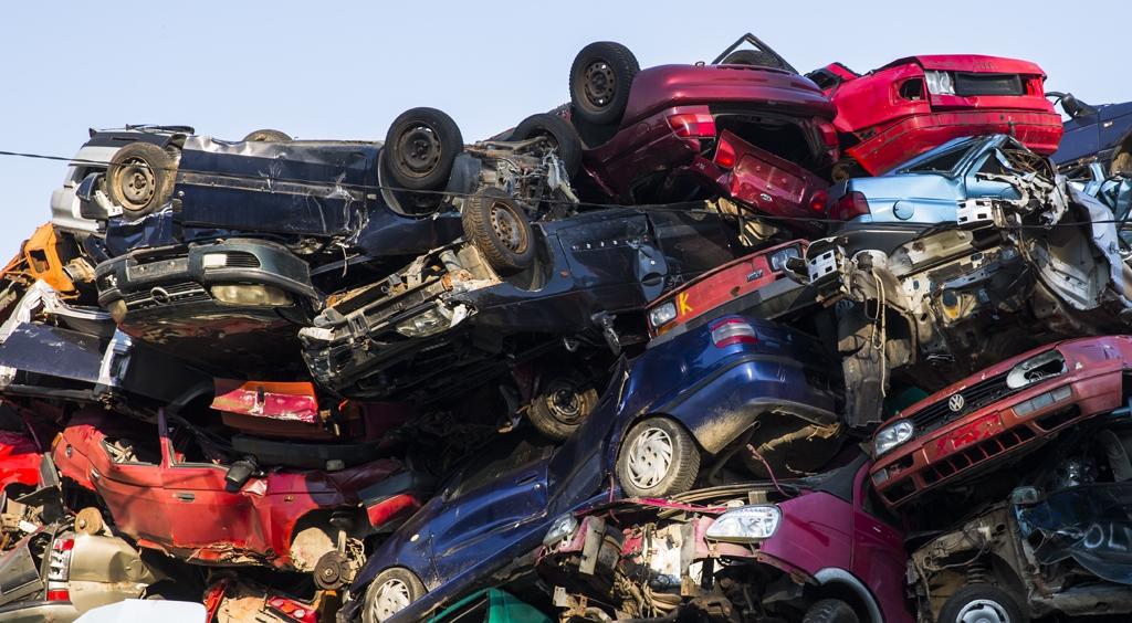 Gdzie powinny trafić stare części aut?