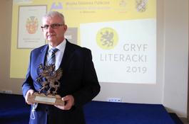 Andrzej Janusz otrzymał Nagrodę Gryfa Literackiego 2019