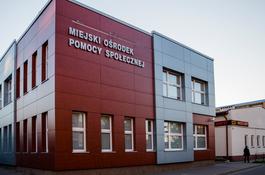 Miejski Ośrodek Pomocy Społecznej w Wejherowie przekazał paczki dla potrzebujących