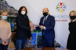 Wejherowo wspiera organizacje pozarządowe – kolejne umowy podpisane