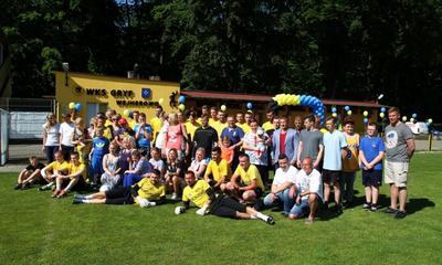 Piłkarze uczyli dzieci autystyczne grać w piłkę