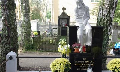 Spotkanie GW Żyj Godnie i KSOWCh Błękitni przy grobie ks. E. Roszczynialskiego - 30.10.2013