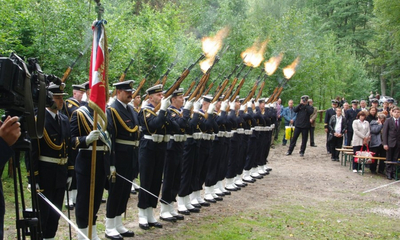 Hołd żołnoierzom 1 MPS w Białej - 08.09.2011