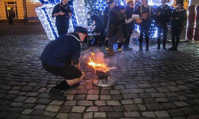 Światełko pokoju na rynku - 19.12.2015