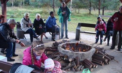 Otwarcie wiaty turystycznej przy os. Fenikowskiego - 28.09.2013