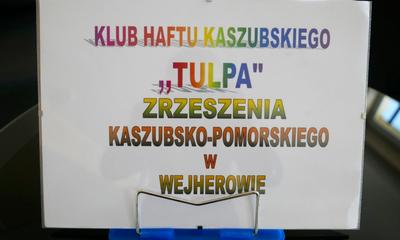 Wystawa Haftu Kaszubskiego w Bibliotece