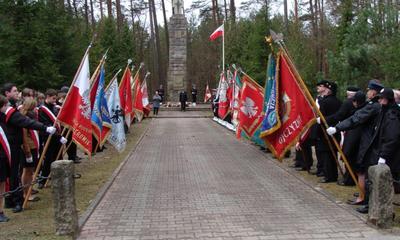 Uroczystość w Piaśnicy z okazji Miesiąca Pamięci Narodowej - 09.04.2011