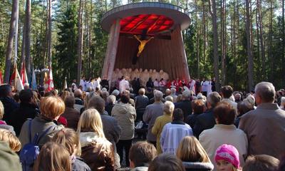 Poświęcenie kaplicy-pomnika w Piaśnicy - 03.10.2010