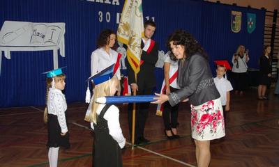 Ślubowanie pierwszoklasistów w SP 11 - 30.09.2011