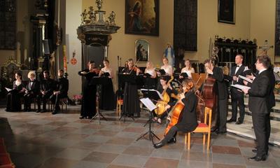 Jubileuszowy koncert Art'n'voices w kolegiacie