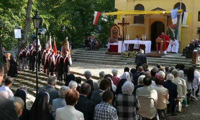 Odpust Podniesienia Krzyża na kalwarii - Fot. L. Spigarski -  11.09.2011