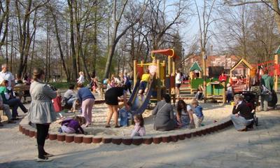 Plac zabaw w Parku Miejskim -25.04.2011